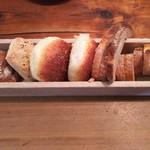 73606474 - おかわり自由のパン達♪