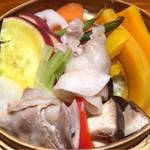 73606787 - 三田ポークと季節野菜のセイロ蒸し