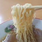 三吉屋 - 縮れある細麺