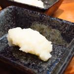 麺匠 八雲 - 無料提供のおろしニンニク