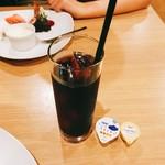 ソラティオ イタリアーノ - アイスコーヒー 350円 ハーブティー 380円