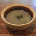 """73614431 - スープ : """"はんだ牛蒡""""とマッシュルーム"""