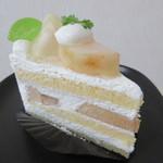 洋菓子工房 queue - 【桃のショートケーキ 380円】