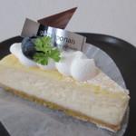 洋菓子工房 queue - 【チーズケーキ 340円】