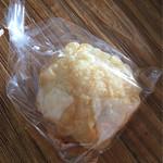 リフィート - 天然酵母のパン チーズ