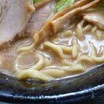無鉄砲しゃばとん - 麺とスープ