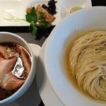 カネキッチン ヌードル - つけ麺(醤油)¥1,000。金、土、日曜限定メニュー。