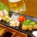 焼鳥 よつ葉 - 2017年8月 赤鶏造り3種盛【820円】生つくねですって!