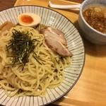 東京とんこつ とんとら - つけ麺 702円税込