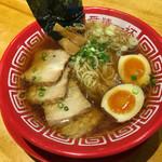 アイアイラーメン - 料理写真:醤油ラーメン800円