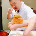 照寿司 - 伊勢海老がうにを背負ってバキューン