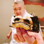 照寿司 - 天然「脂ギトギト」鰻バーガー 火傷に注意⚠