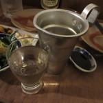立ち呑みの「さのや」 - 奈良 中本酒造店 山鶴 段違い辛口