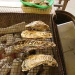 かき小屋仙台港 - 料理写真:2017年9月 カキ 1盛(1kg)1000円