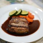 東京パリ食堂 - メイン 4種ポーク(ロース・頬・舌・挽肉)のミルフィーユ仕立て