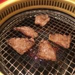 関内苑 - ロース焼き