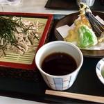 山路 - 料理写真:天ざる蕎麦 980円