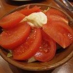 焼肉 山河 - ・「トマトサラダ(\262)」