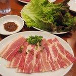 焼肉 山河 - ・「豚バラ厚切り サンチュ付(\399)」