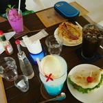 パニパニ - トロピカルなテーブル♪