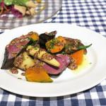 ビストロ・ダルブル - 牛ハツのグリル&サラダ