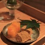 空花 - デザートは4種盛り 最中アイス・青梅の蜜煮・わらびもち他