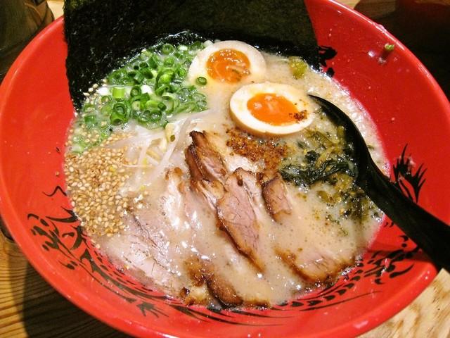ずんどう屋 心斎橋店 - 全部のせらーめん(細麺)