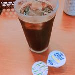 美可美 - アイスコーヒー  食事を注文すると100円+税