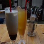 73651733 - コーヒー牛乳&パイナップルジュース