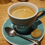Prune - クッキー付きのコーヒー
