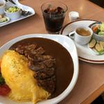 ニューバレー - D とん、たまカレー(サラダ・スープ・コーヒー付き) 1200円 + 大盛り150円