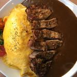 ニューバレー - D とん、たまカレー大盛り!喫茶店でトンテキ&オムレツ&カレーは非常珍しいですね!しかもトンテキの分厚さと量!超ガッツリ!