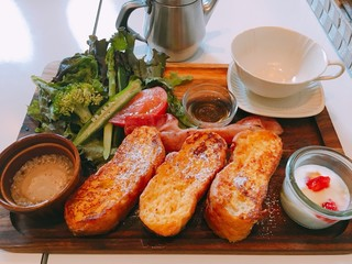 グラムス カフェ - フレンチトーストプレート