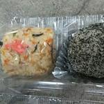 伊勢屋 - 五目ずし(110円)・ゴマおはぎ((120円))