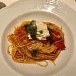 アルポルト・クラシコ - フルーツトマトとリコッタチーズのベッペ風トマトソース