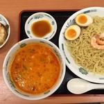 日高屋 - 料理写真:エビ辛とんこつつけ麺 大盛り、餃子3個