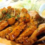 クワトロチンクエ - 茶美豚のトンテキ
