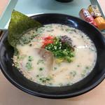 一口茶屋 - 料理写真:とんこつラーメン