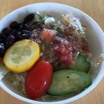 ファームレストラン あぜ道 より道 - 季節野菜のサラダ