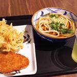 73661725 - 1709_丸亀製麺 CGKターミナル3_KAKE UDON@38,182Rp+CHICKEN KATSU@13,636Rp+KAKIAGE TEMPURA@11,818Rp