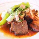 73668327 - ランチセット 1730円 の牛肉の赤ワイン煮込み ナヴァラン