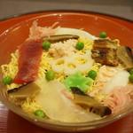 初音鮨 - ちらし寿司