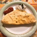 インドレストラン ムンタージ - パパド・チャツネ(サービス)