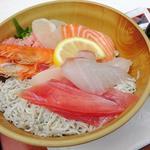 73672550 - 本日の海鮮丼