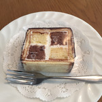 73675177 - 「ダミエ」                                              バタークリームを使った市松模様が特徴!