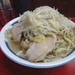 ラーメン二郎 - 小ラーメン豚入り(600円)