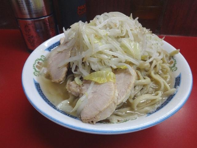 ラーメン二郎 , 小ラーメン豚入り(600円)