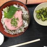 勘太そば - ネギトロ丼590円 味噌汁もつきます