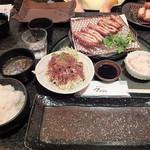 とんかつ マンジェ - 「にんにくとんかつ定食」(2017年9月)(1,480円込)(2017年9月)