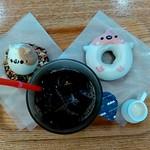 フロレスタ - アイスコーヒー、どうぶつドーナツ(木の実とフルーツ)、どうぶつドーナツ(トキ)